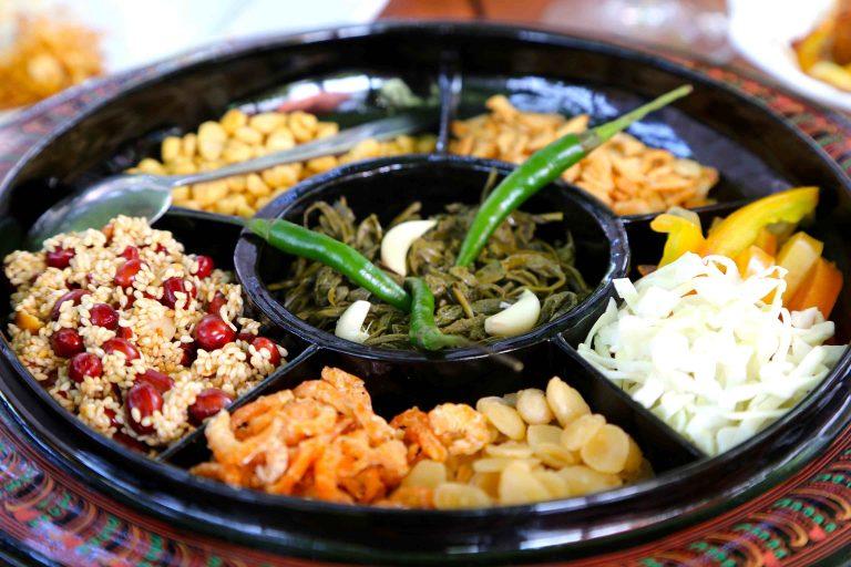 หล่าเพ็ด อาหารยอดนิยมพม่า